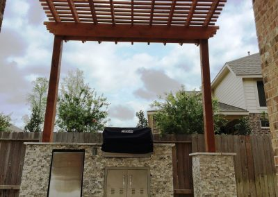 Primo_Outdoor_Living_Outdoor_Kitchen_with_Pergola