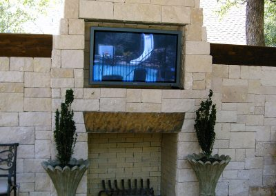 primo-outdoor-living-fireplace-with-t-v
